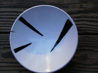 "8"" bowl, black and white,wax cut, slit rim,
